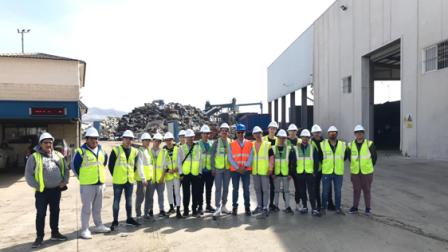 Fragmentadora Hnos Inglés muestra a los jóvenes el reciclaje total