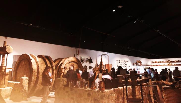 Mesur da luz al nuevo Museo del Vino