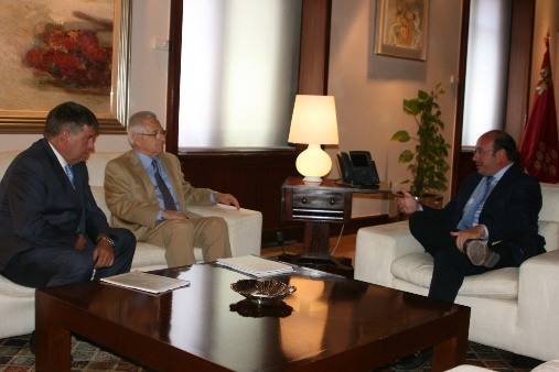 El presidente regional Pedro Antonio Sánchez ha recibido al presidente de FREMM