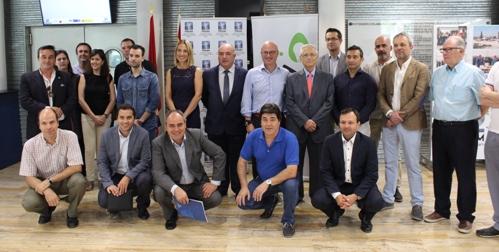 El consejero de Empresa comunica en FREMM a Aremur el aumento de las ayudas al autoconsumo y eficiencia energética