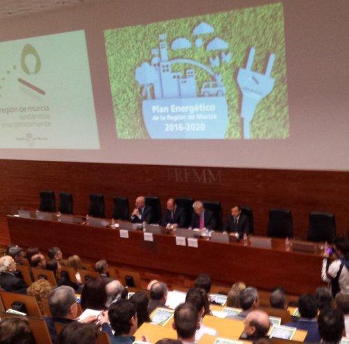La Comunidad impulsará las energías alternativas en la Región, en especial las renovables y gas natural