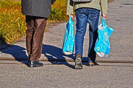 FREMM advierte que desde el 1 de julio se han de cobrar todas las bolsas de plástico