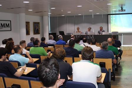 La Comunidad presenta en FREMM las ayudas de hasta 500 euros para instalar placas solares en viviendas