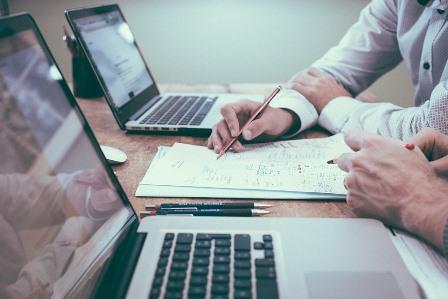 FREMM le ayuda a presentar la documentación ante Industria tanto presencial como telemáticamente