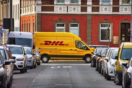 DHL ofrece a las empresas de FREMM descuentos en paquetería