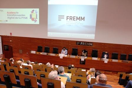 La Oficina Acelera pyme dirigida por FREMM ofrece un plan personalizado a empresas y autónomos para dar el salto digital